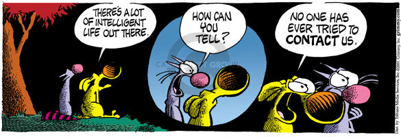 Comic Strip Mike Peters  Mother Goose and Grimm 2001-10-09 extraterrestrial