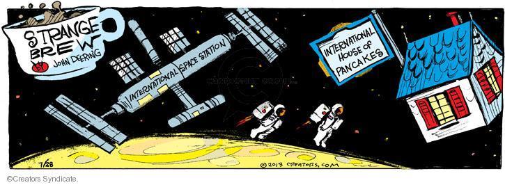 Comic Strip John Deering  Strange Brew 2013-07-28 pancake
